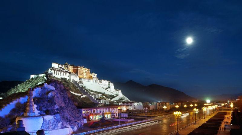 Приток туристов в Тибет