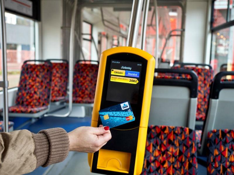 В автобусах Чехии оплата картой