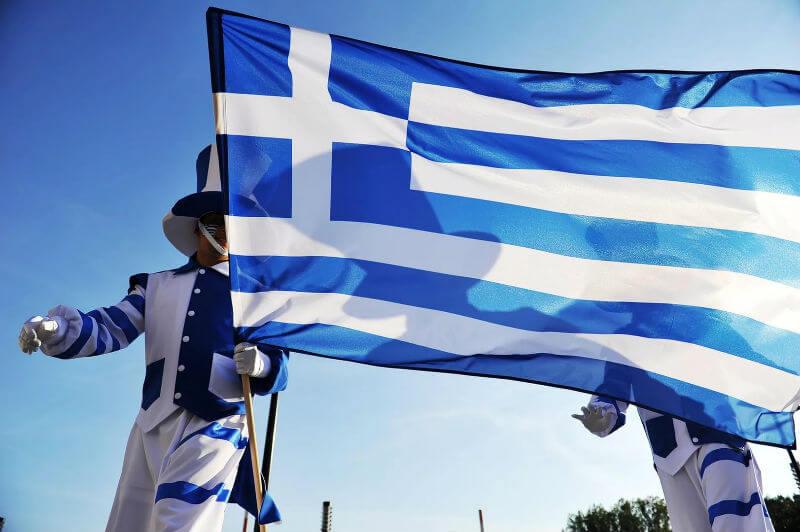 Консульств Греции будет больше