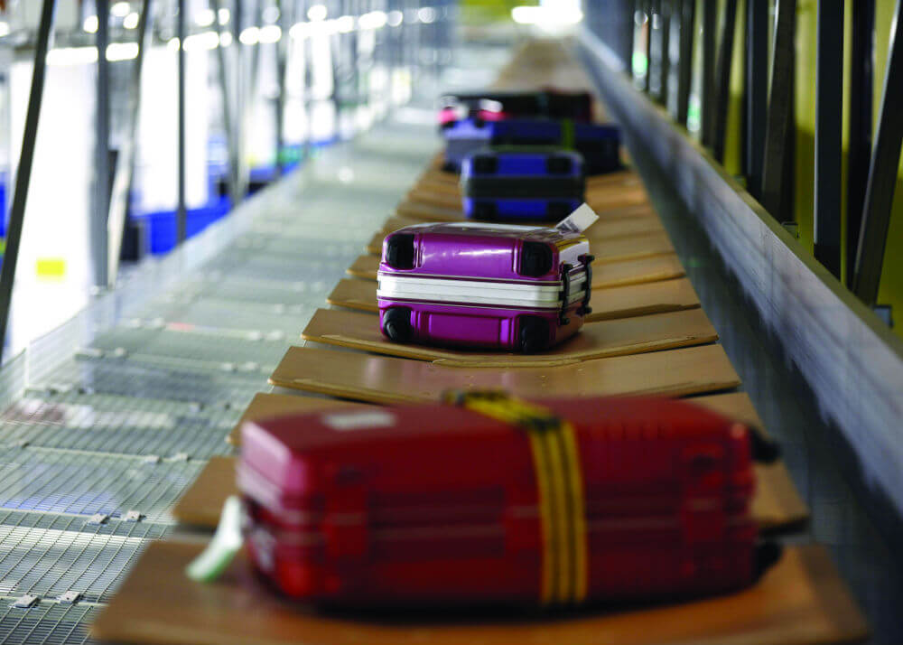Электронную технику сдают в багаж