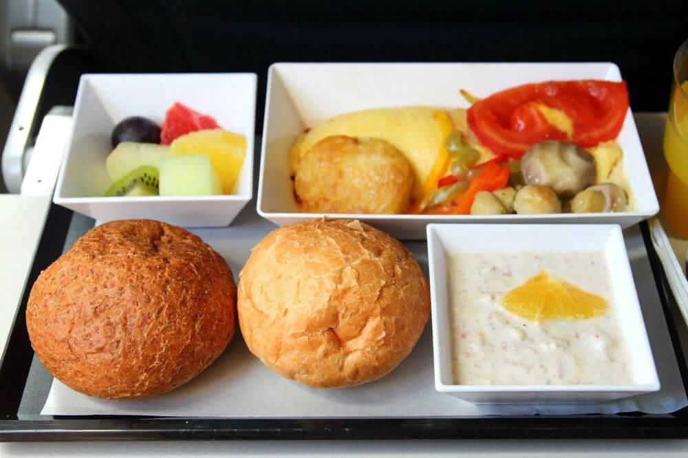В самолете совсем другой вкус еды