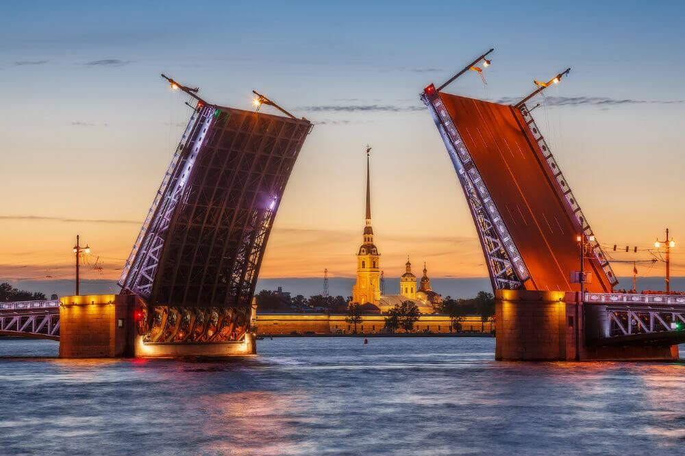 Поющие мосты в Санкт-Петербурге