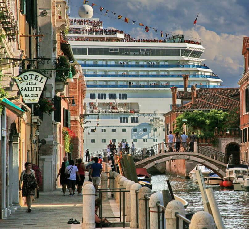 Лайнерам в Венеции не место